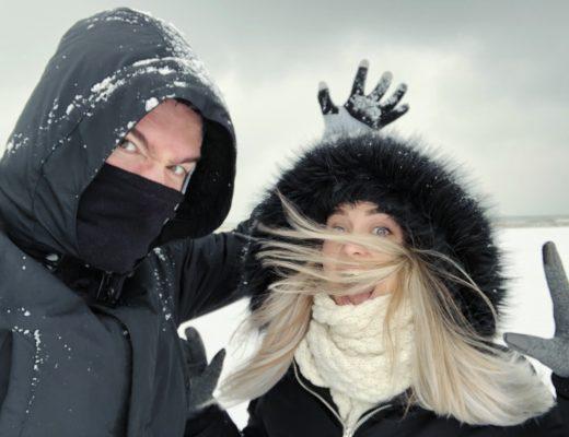 Sara & Simone on a snowy beach